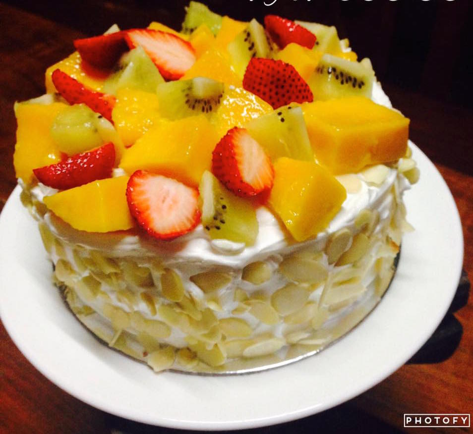 Romelies Fresh Fruit Birthday Cake Kiac Cakes And Cupcakes